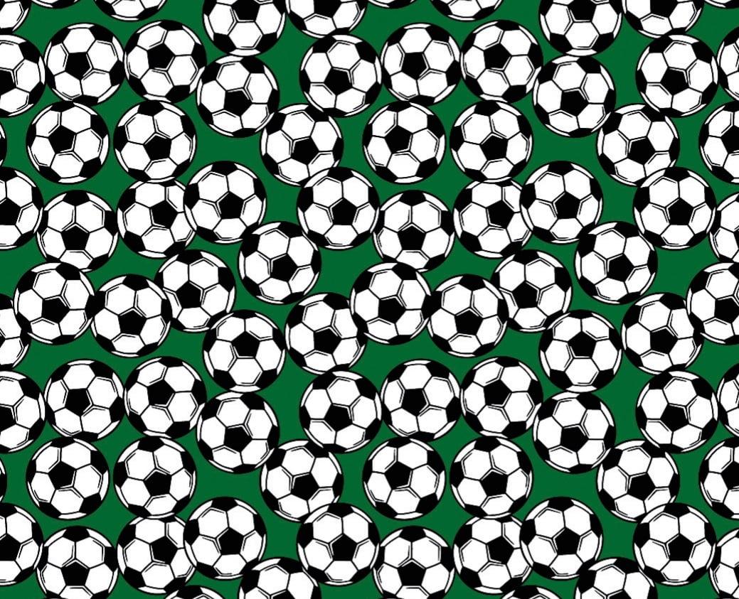 Tecido Tricoline de Boias de Futebol - Fundo Verde - Preço de 50 cm x 150 cm