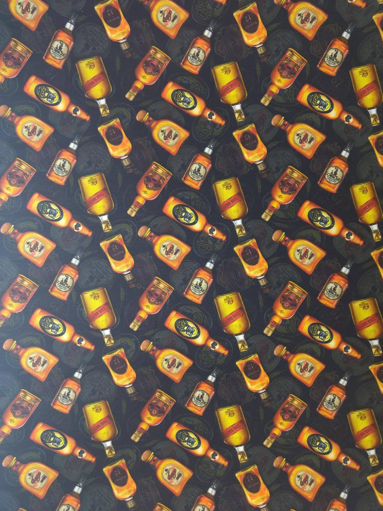 Tecido Tricoline Digital Estampado Garrafas de Bebidas - Fundo Preto - Preço de 50 cm x 150 cm