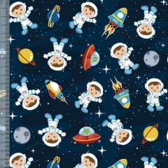 Tecido Tricoline Digital Menino Astronauta - Fundo Azul Marinho - Preço de 50 cm x 150 cm