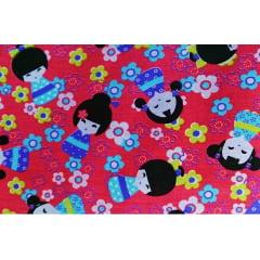 Tecido Tricoline Boneca Kokeshi - Fundo Rosa - Preço de 50 cm x 150 cm