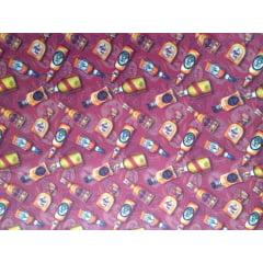 Tecido Tricoline Digital Estampado Garrafas de Bebidas- Fundo Bordô - Preço de 50 cm x 150 cm
