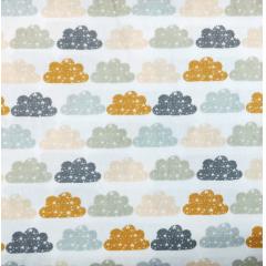 Tecido Tricoline Nuvens Coloridas - Fundo Branco